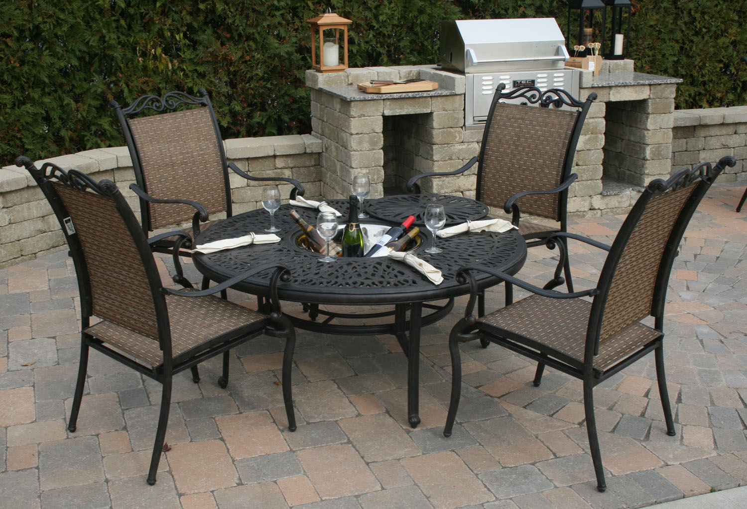 All welded aluminum sling patio furniture is a for Outdoor furniture images